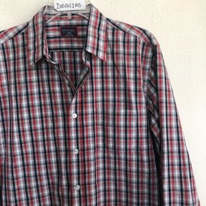 UNTUCKit Slim button down long sleeve plaid shirt